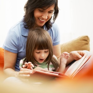Mother and Daughter Reading Together - How to Find Books in Spanish for Your Toddler - Alldonemonkey.com