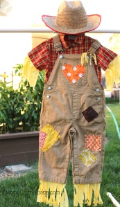 Moms Crafty Space - Scarecrow Roundup on Alldonemonkey.com